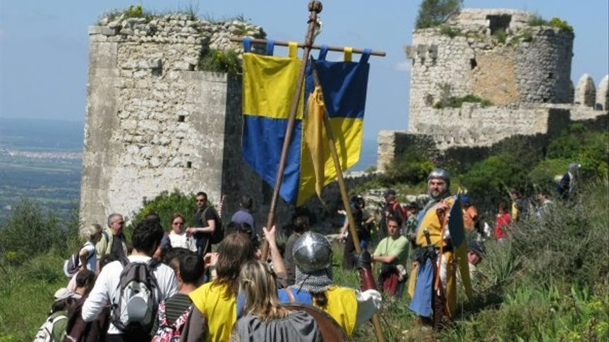 Visita el castell de Santueri