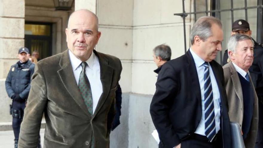 Las penas y los delitos a los que se enfrentan los acusados del caso de los ERE