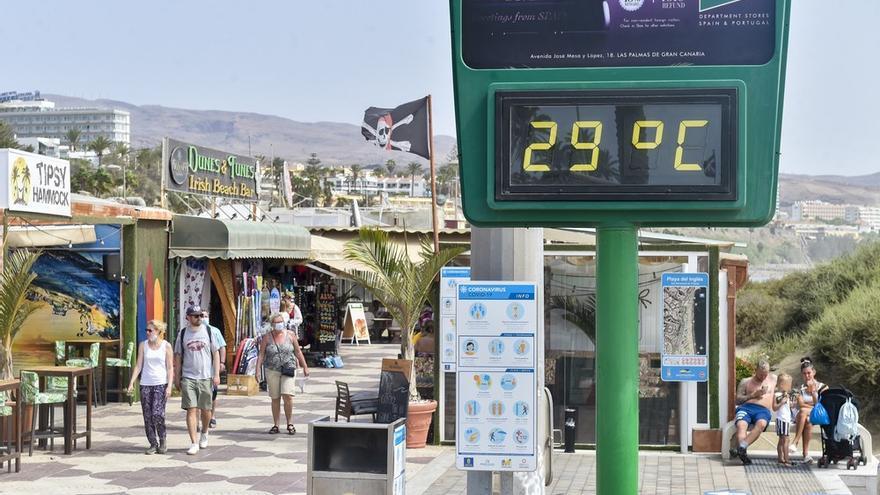 El turismo calienta el invierno en Canarias