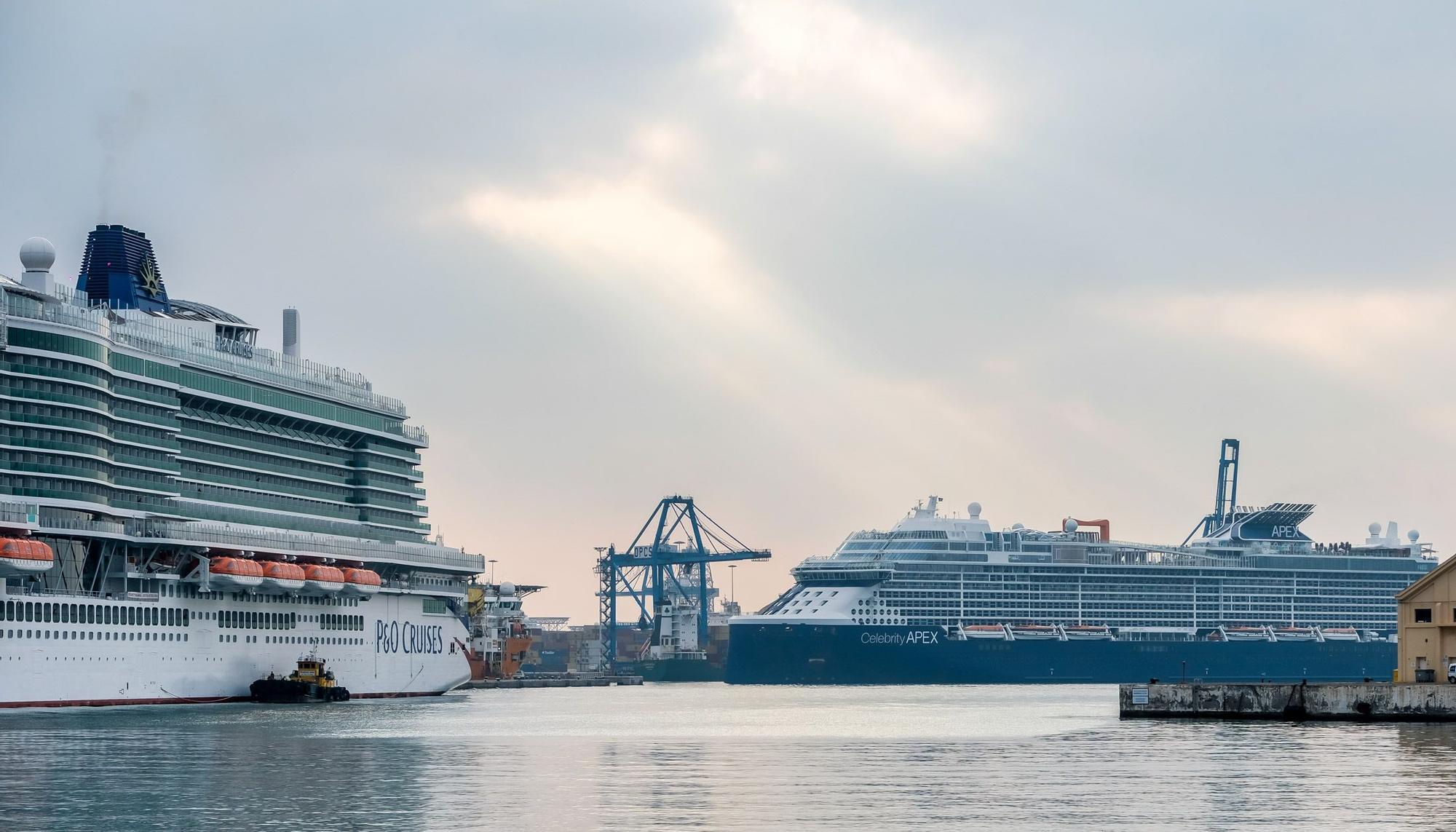 Visita inaugural de los cruceros 'Iona', de P&O Cruises, y 'Celebrity Apex', de la naviera Celebrity Cruises