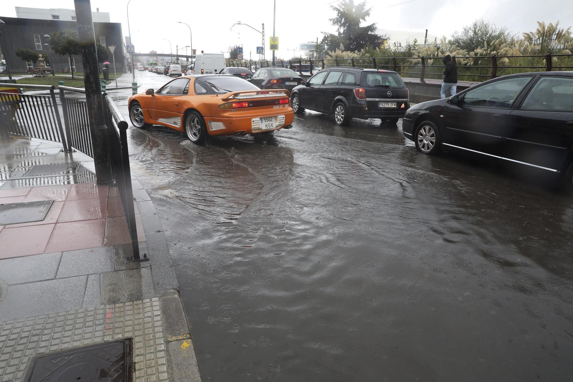 Inundaciones en Avilés por los fuertes aguaceros
