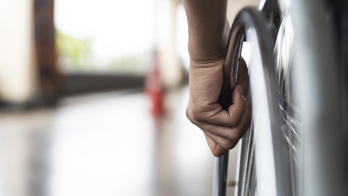 Un total de 22 pacientes de Esclerosis Lateral Amiotrófica (ELA) sin recursos en las ciudades de Valencia, Murcia y Mallorca, así como a sus familias o cuidadores podrán beneficiarse de la donación