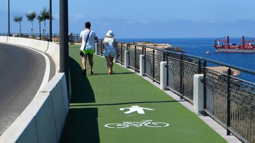Los peatones ya pueden disfrutar de la renovada senda hacia Cala Cortina