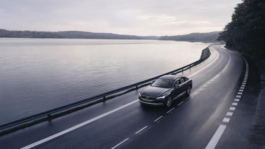 Volvo limita la velocidad máxima de todos sus vehículos a 180 km/h
