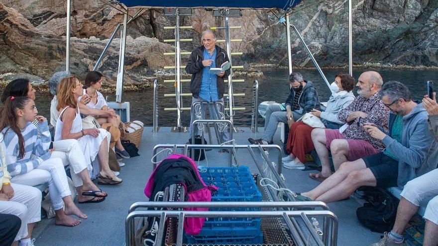 La llibreria Vitel·la fusiona literatura i sortides en barca