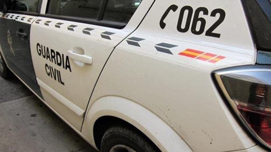 Zwei Männer wegen fahrlässiger Tötung eines Malers festgenommen