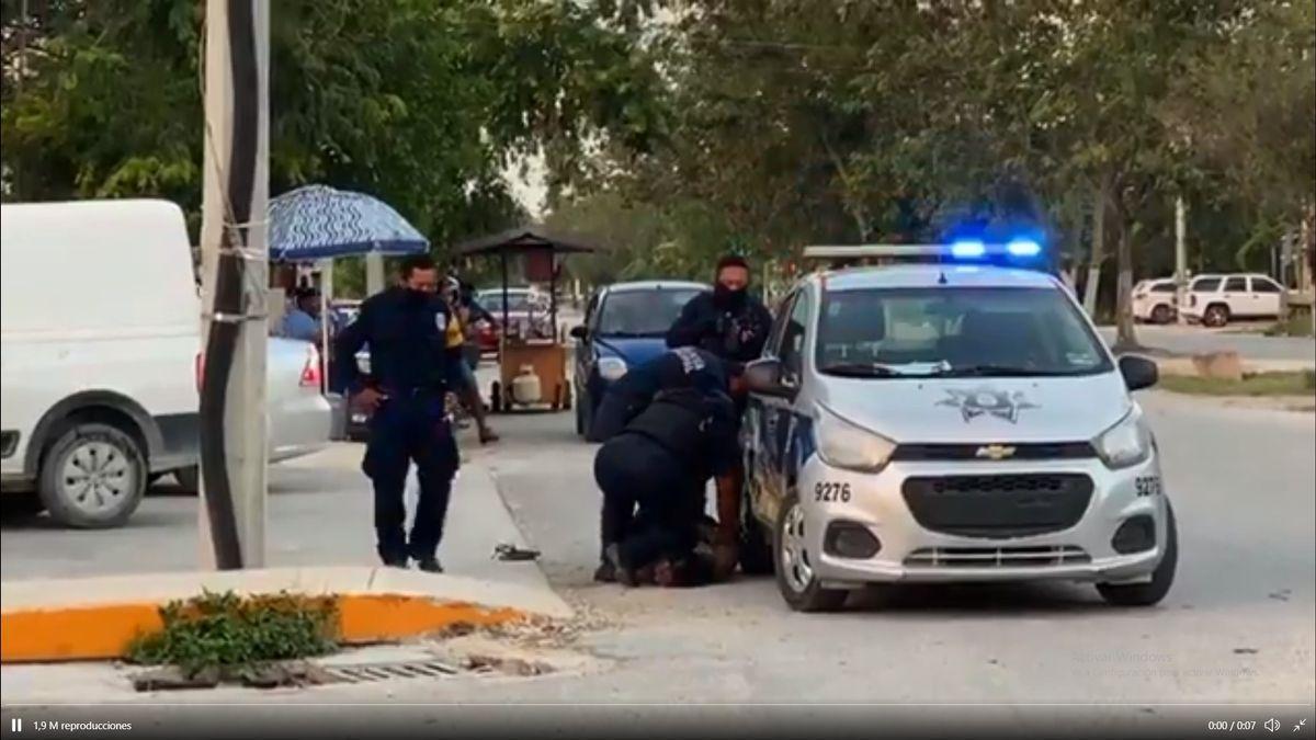 Muere la mujer salvadoreña asfixiada por la rodilla de un policía en el sur de México