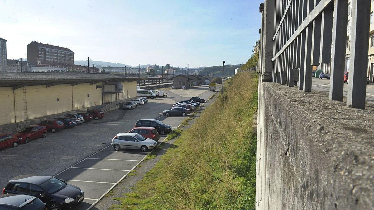 Zona en la estación de San Cristóbal donde se construirá la terminal de buses y el aparcamiento subterráneo. |   // VÍCTOR ECHAVE
