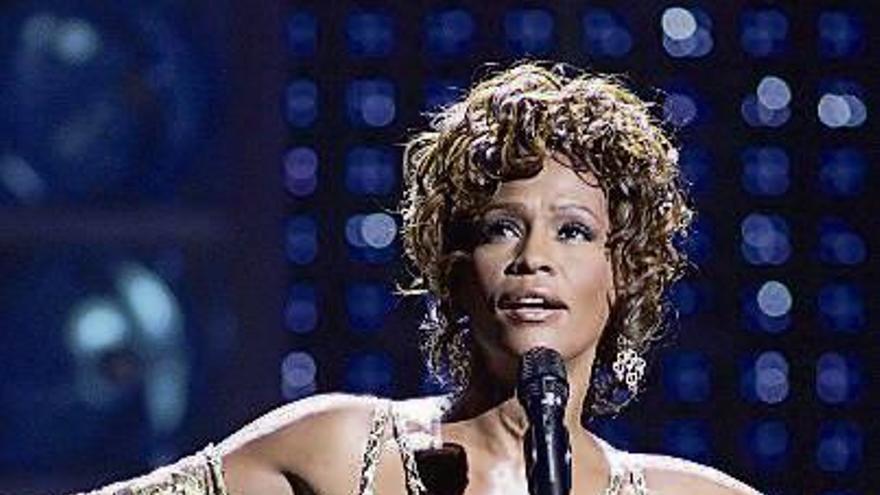 Hollywood llevará al cine la vida de la cantante norteamericana Whitney Houston