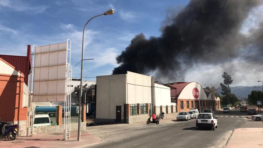 Incendio en Cofrusa
