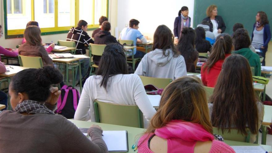 Los alumnos asturianos, terceros de España con mejor dominio en Ciencias según el informe PISA