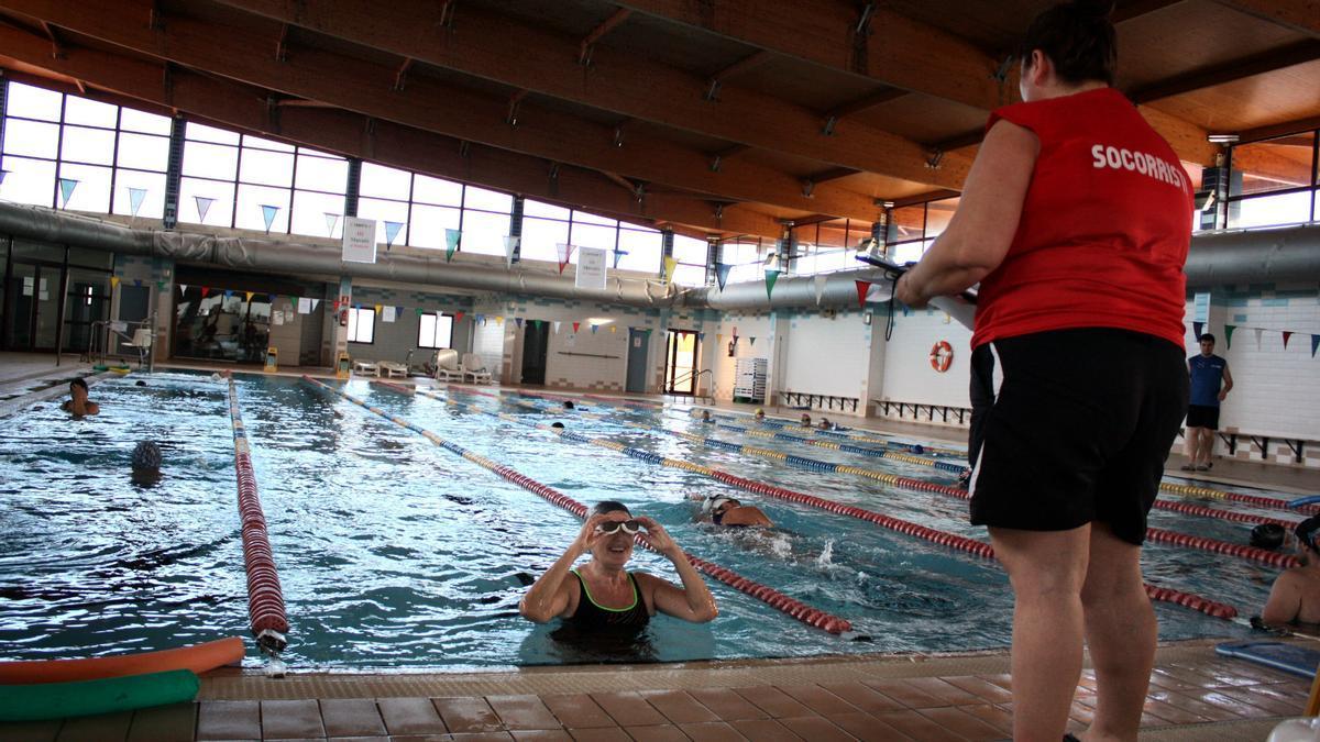 La intervención en la piscina municipal obligará a cerrarla en agosto.