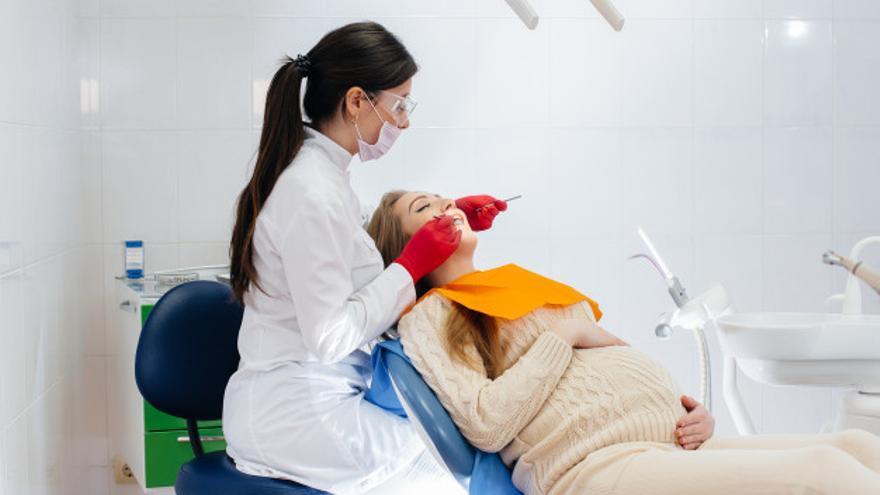 Más de 50 clínicas dentales de la provincia de Alicante participan en la IV Campaña Salud Oral y Embarazo