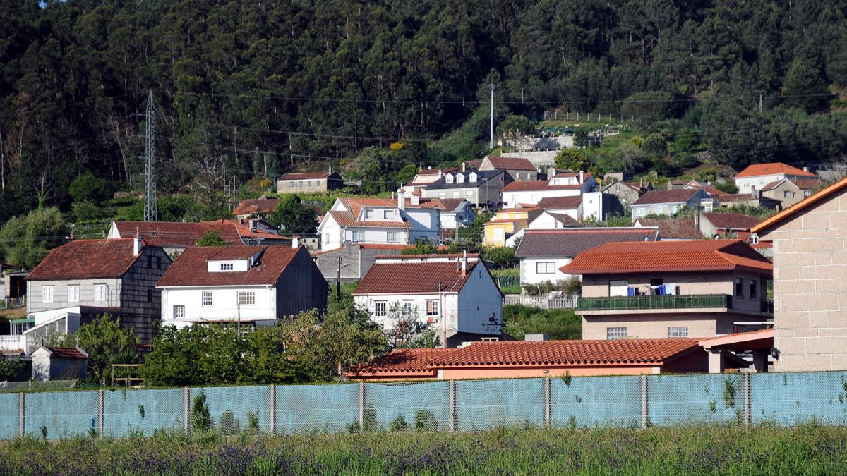 Núcleo de viviendas en Tomeza. // R. Vázquez