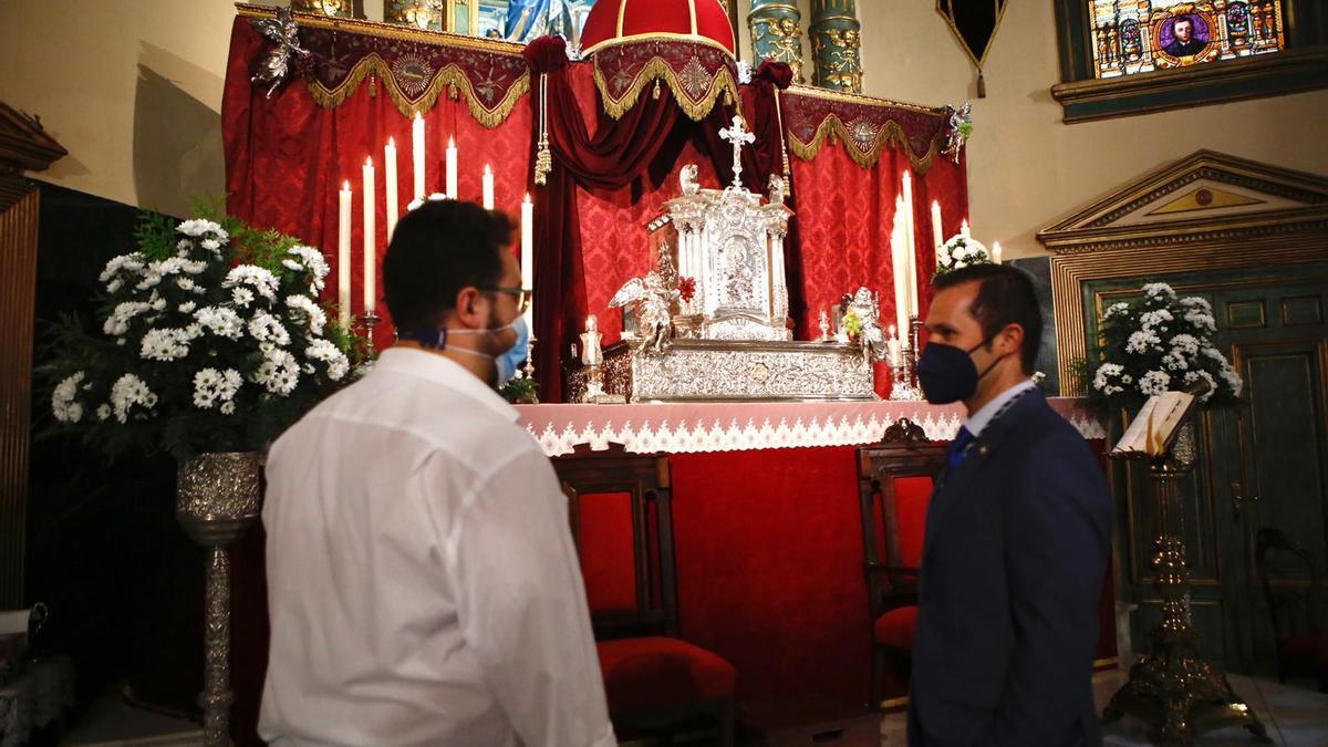 Altar del triduo eucarístico de la hermandad del Prendimiento.