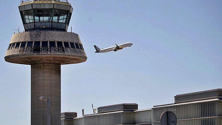 Ábalos adverteix el Govern que l'aeroport del Prat ha de ser un 'hub' i no pot estar «dispers»