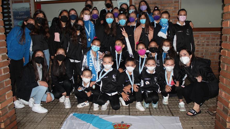 Las gimnastas mecas arrasan en Ourense