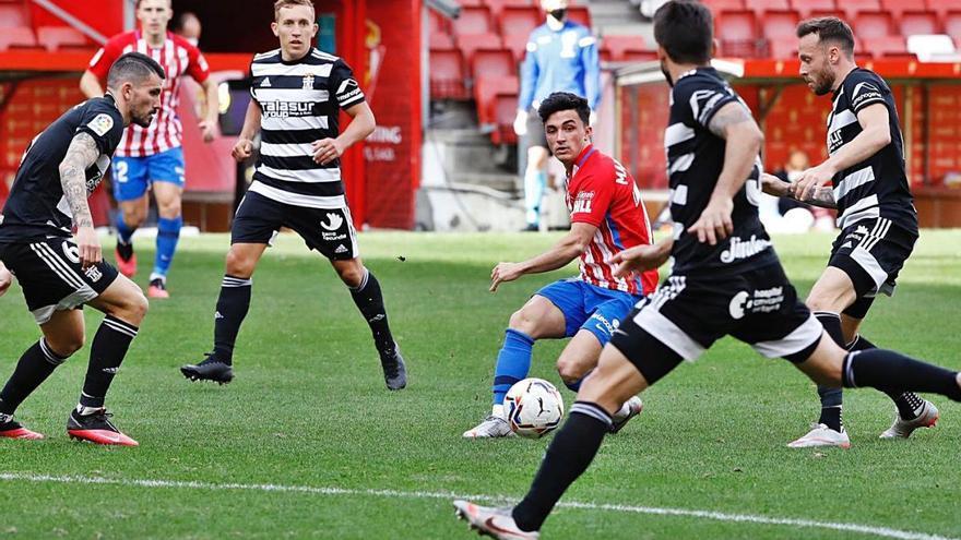 El FC Cartagena levanta cabeza