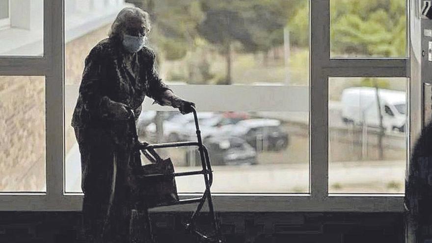 Los partidos quieren ahora debatir sobre los geriátricos tras diez meses de silencio