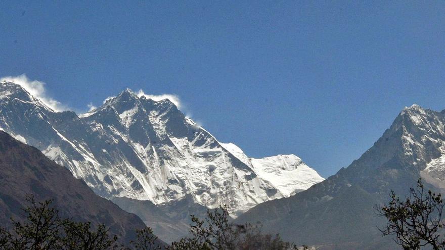 La calima derrite el Himalaya