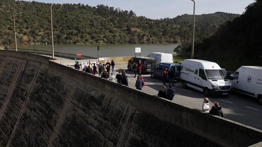 VÍDEO | Así ha sido la movilizaciónde Fermoselle para pedir la reapertura de la frontera con Portugal