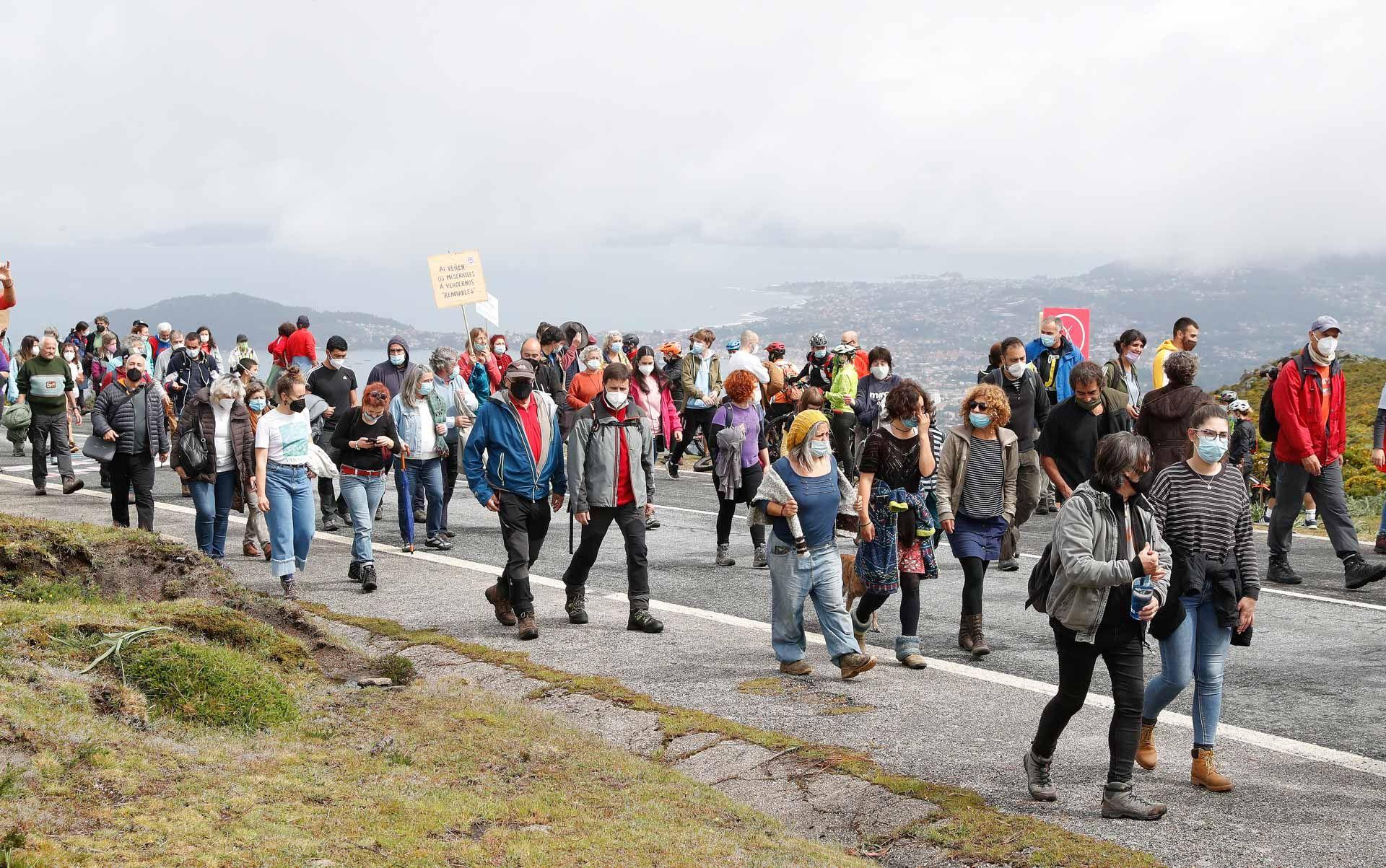 Marcha contra los parques eólicos en A Groba