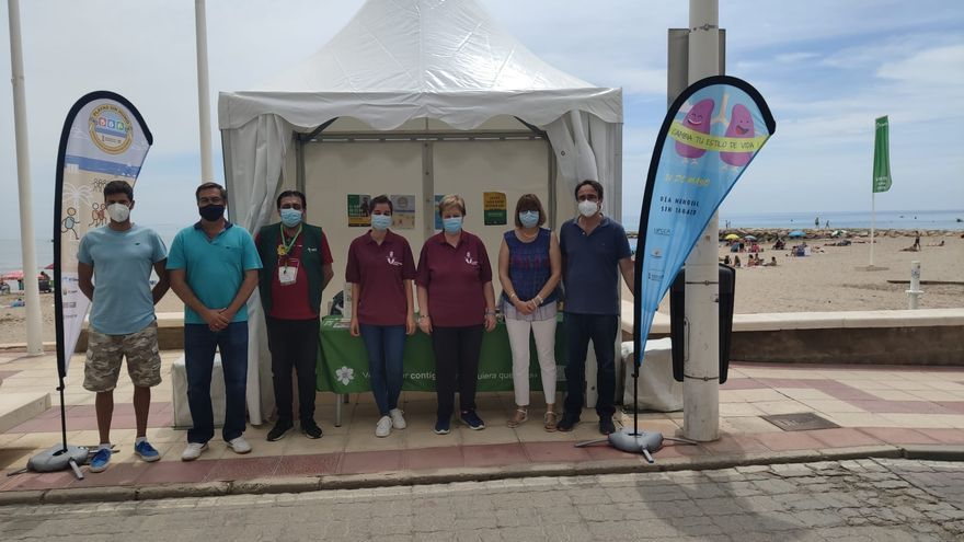 El Campello conmemora el Día Mundial sin Tabaco con tres carpas en las playas