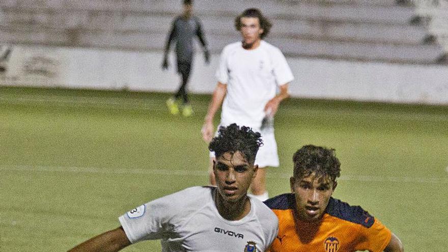 El Olímpic prepara ya el debut en liga ante el Crevillent tras ganar al Alzira