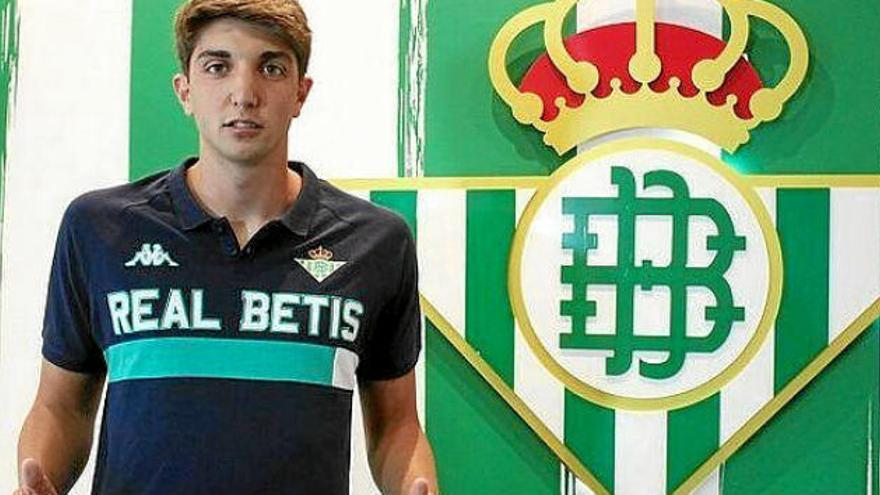 El Oviedo negocia con el Betis la cesión de Edgar González