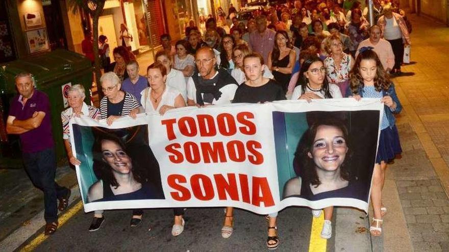 """La familia recuerda a Sonia Iglesias y cree que cada vez """"se estrecha más el cerco"""""""
