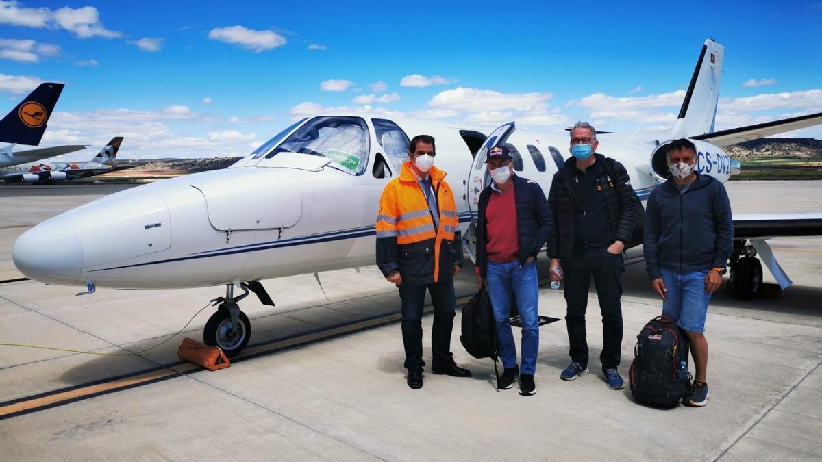 Despega el primer avión ejecutivo con pasajeros desde el Aeropuerto de Teruel.