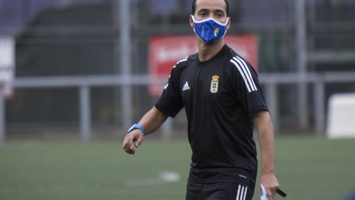 Crespo, entrenador del Oviedo Femenino