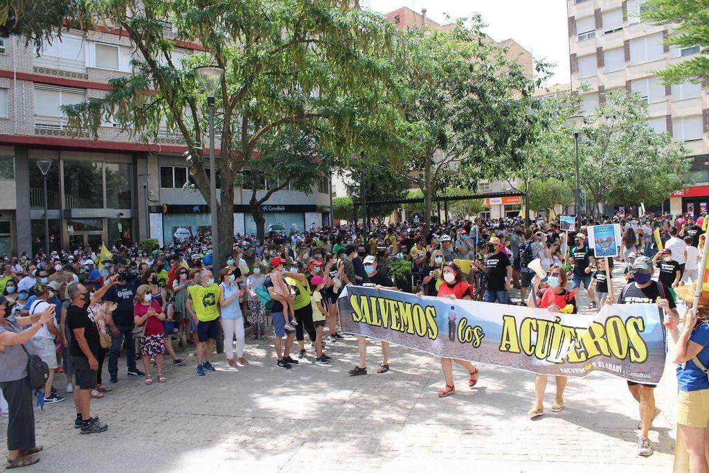 Miles de personas se manifiestan en Yecla contra un proyecto de macrogranja de cerdos