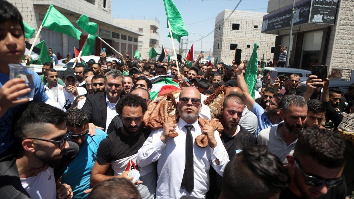 Funeral en Hebrón de Nizar Banat este viernes.