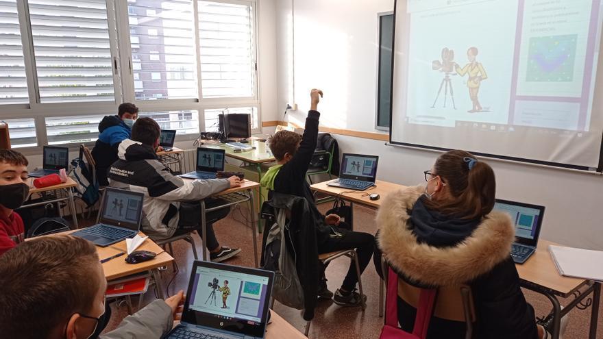'Mujeres a lo loco', un proyecto por la igualdad del IES Clara Campoamor