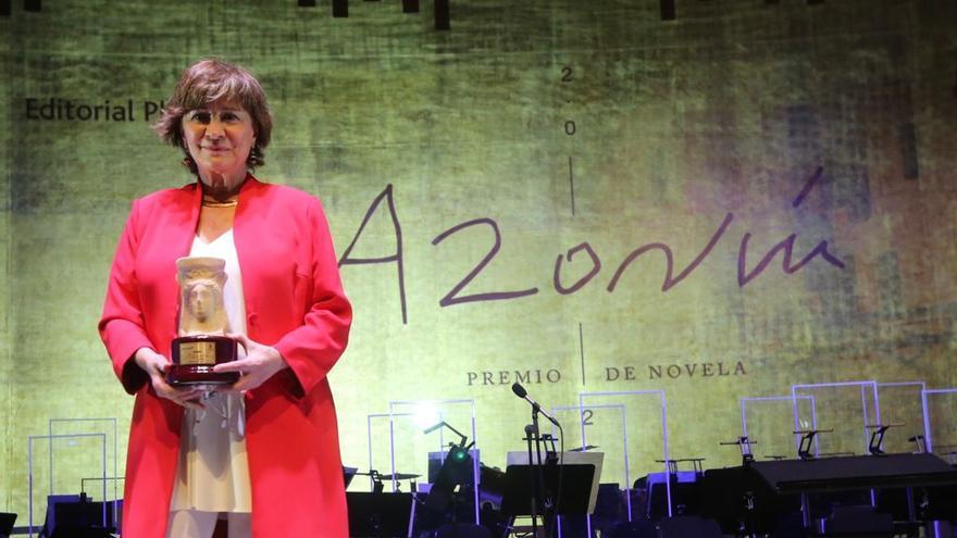 Nativel Preciado gana el Premio Azorín con «un canto de amor» a la naturaleza