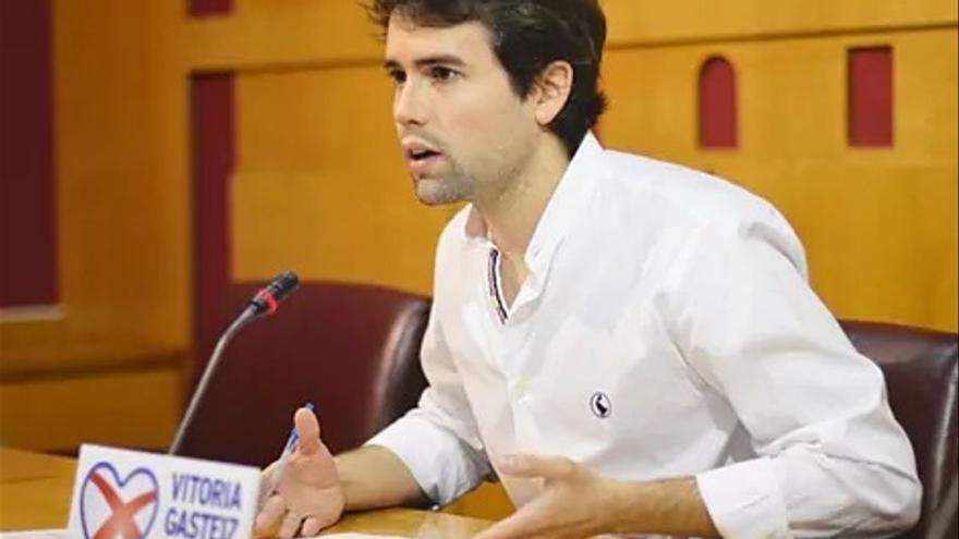 Detenido un joven en Vitoria por agredir a un dirigente del PP alavés
