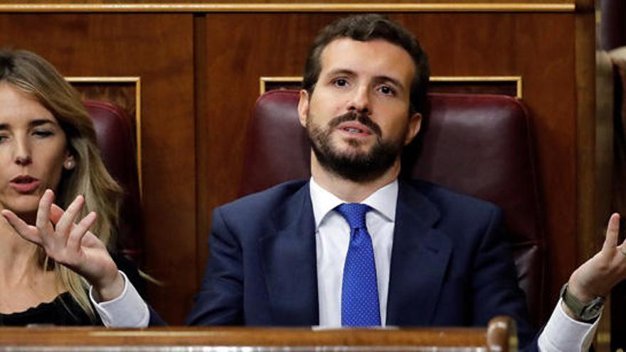 """Casado acusa a Sánchez de """"cambiar el régimen"""" del 78 por mantenerse en el poder"""