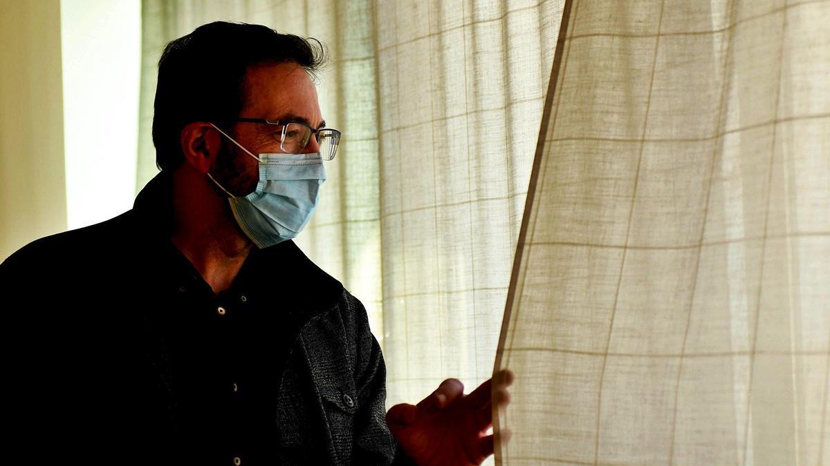 Asensio López, exgerente del Servicio Murcianode Salud, posa antes de la entrevista.