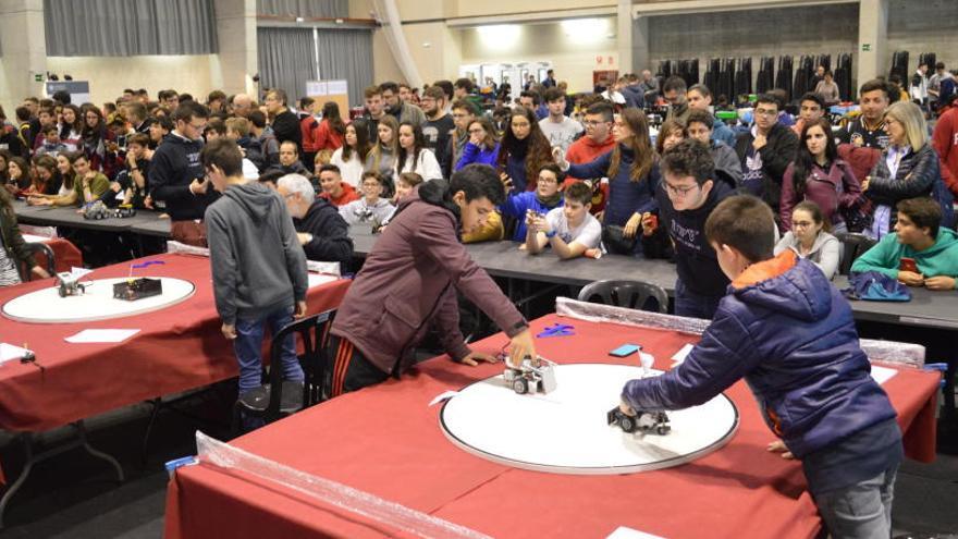 Tres concursos reúnen a 850 jóvenes en el Campus de Alcoy de la UPV