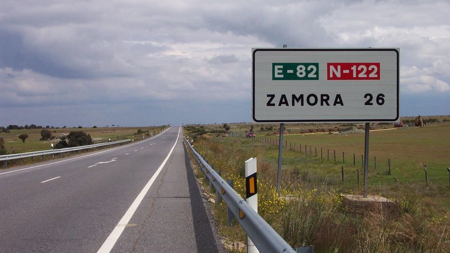 Fomento mejora el asfalto del tramo urbano  de la N-122  en Fonfría