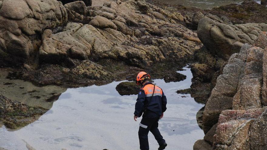 La búsqueda de la joven arrastrada por el mar continúa en A Coruña