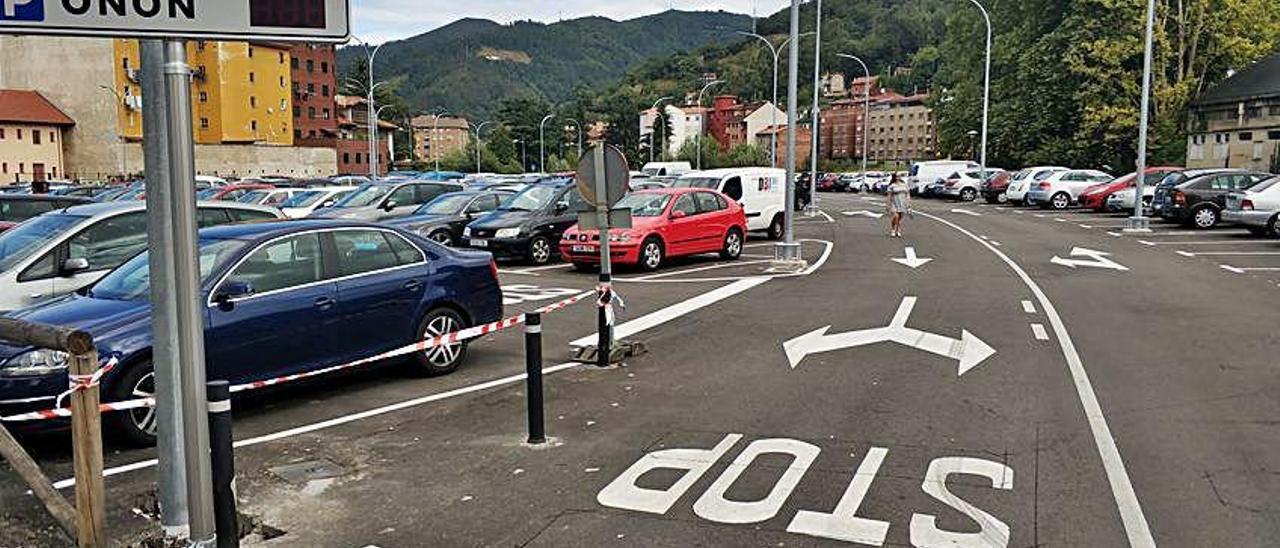 El aparcamiento de Oñón, en Mieres, que ya tiene detector de plazas.