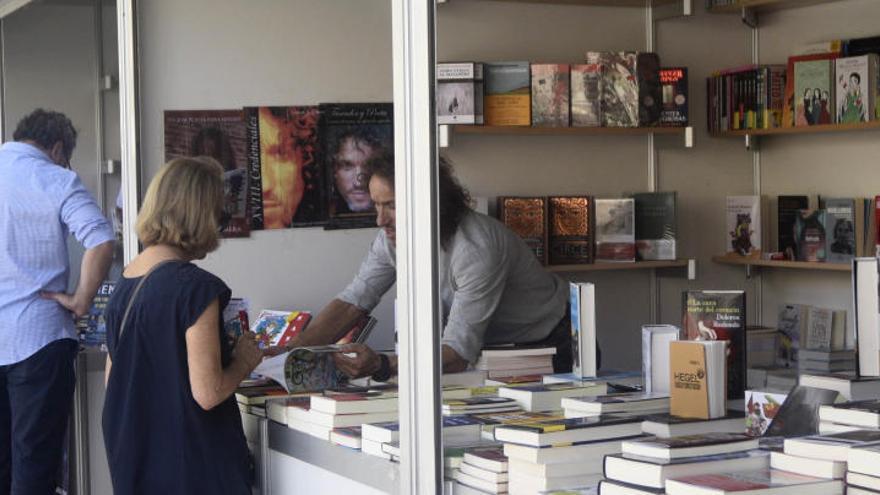 El plazo para participar en la III Feria del Libro de Murcia se amplía hasta el 15 de julio