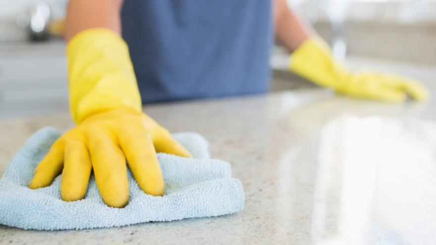 Cómo limpiar las encimeras sin utilizar productos químicos