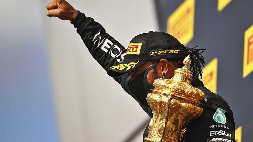 Hamilton gana con agonía y pinchazo en Silverstone