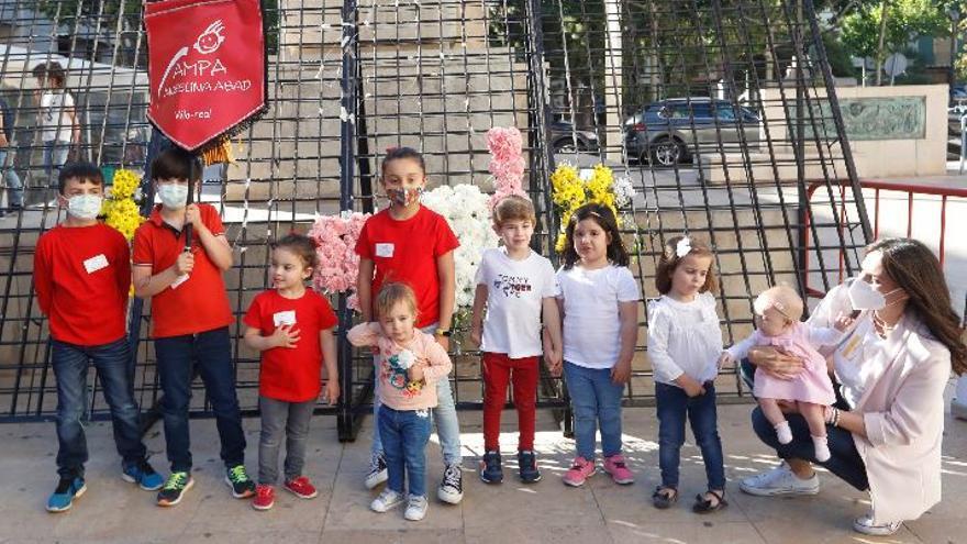 Vila-real regala flores a su patrón en una atípica ofrenda por el covid