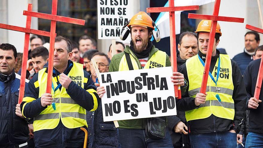 La plantilla de Alcoa cumple un año de lucha contra el ERE en negociaciones para la venta