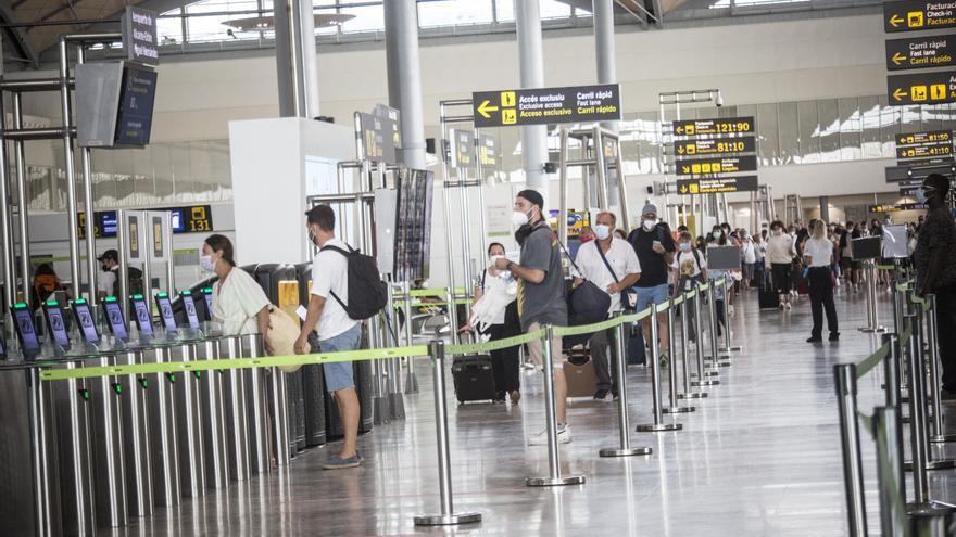 La UE no facilita el pasaporte covid a los diagnosticados solo con test