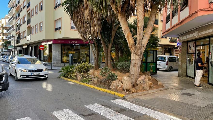 Muere un hombre apuñalado en una calle de Ibiza